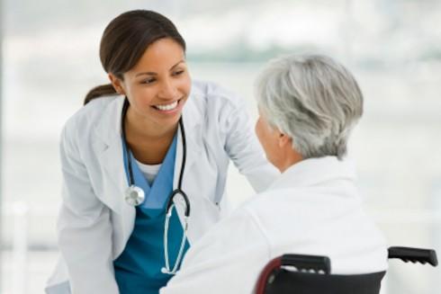 Ausbildung in der Branche Medizin - Umgang mit Patienten gehört hier mit dazu