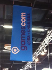Banner von der Decke mit gamescom Jobs und Karriere