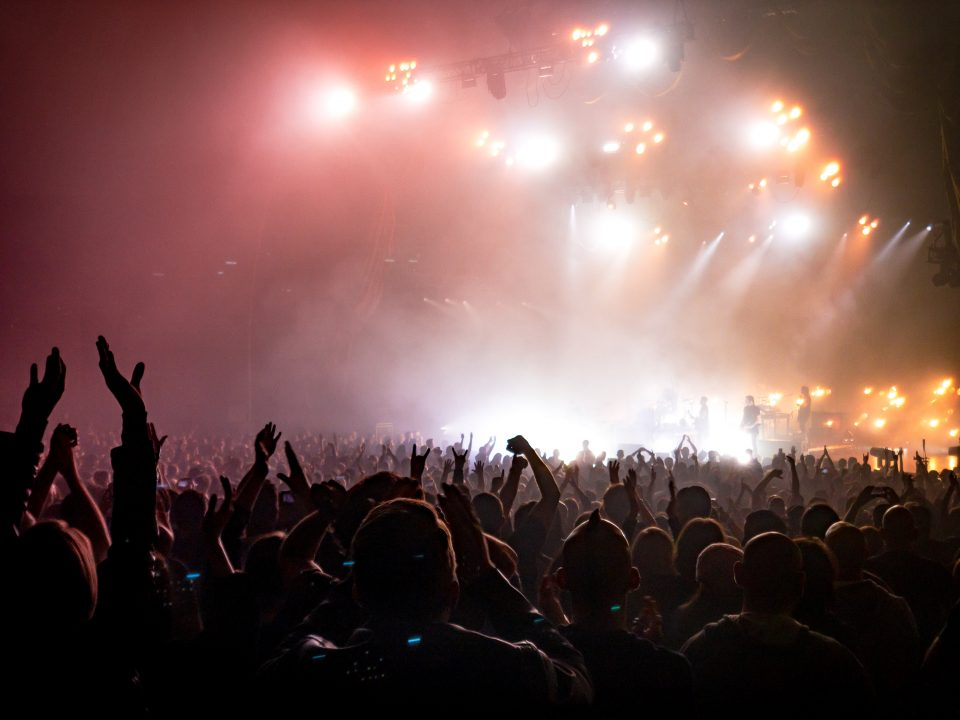 Konzert mit vielen Menschen