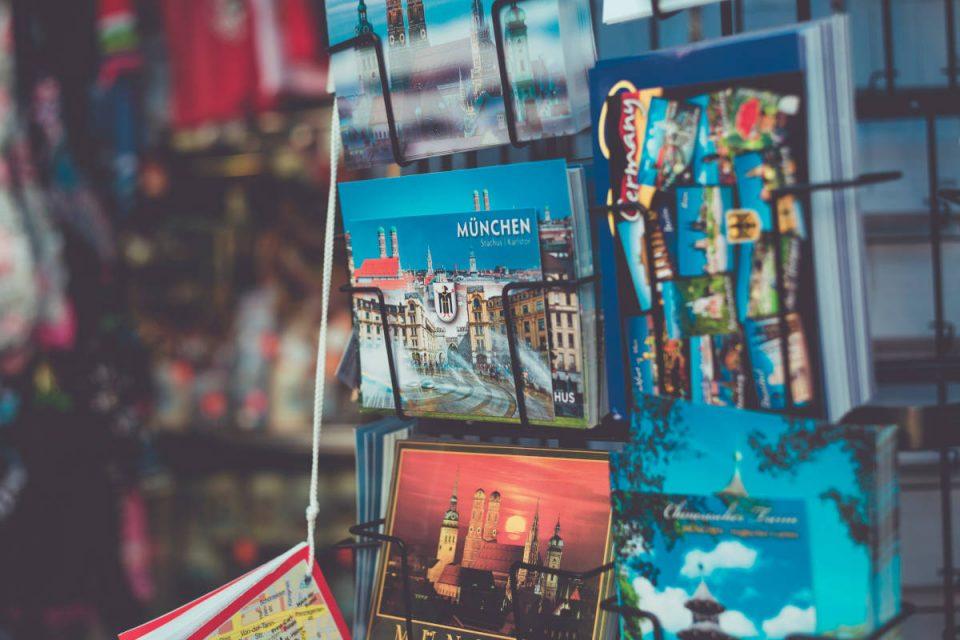 Postkarten München in Postkartenständer
