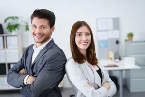 Junge Trainees im Unternehmen