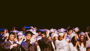 Schüler beim Abschluss
